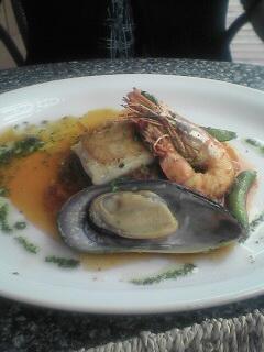 パン・デ・パンでのランチのメニューから。魚系と肉系のメニューがあります。