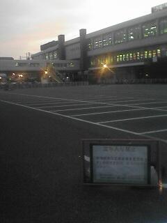 すごく寂しげに見えますね。。哀愁漂う新潟駅です