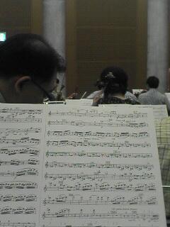 出演者席から指揮者方向をみた写真です